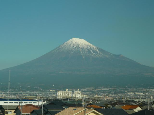 富士山新幹線車内より.jpg