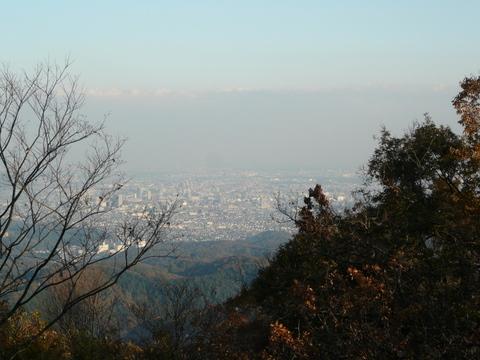 高尾山山頂からの眺め.JPG